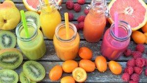 foto com alimentos de diferentes cores